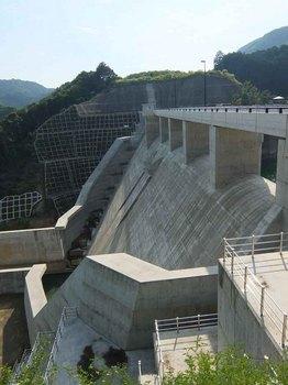 切目川ダム.jpg