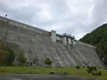 定山渓ダム.jpg