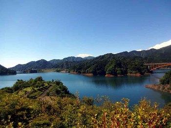 16宮ケ瀬湖.jpg
