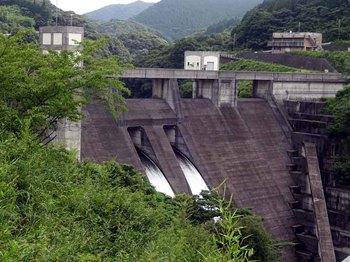 川辺ダム.jpg