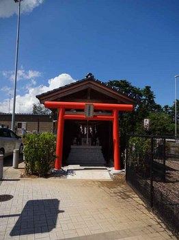相馬鹿島IC稲荷神社.jpg